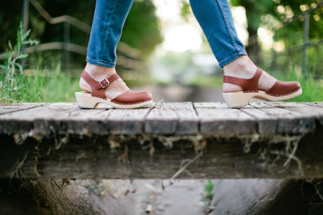 At The Moment We Re Loving Tan Clogs And Denim Lotta
