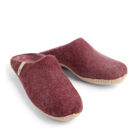 Egos Slip-on Indoor Shoe Simple in Bordeaux