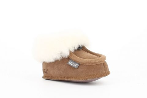 Kids Sheepskin Bootee Slippers in Chestnut