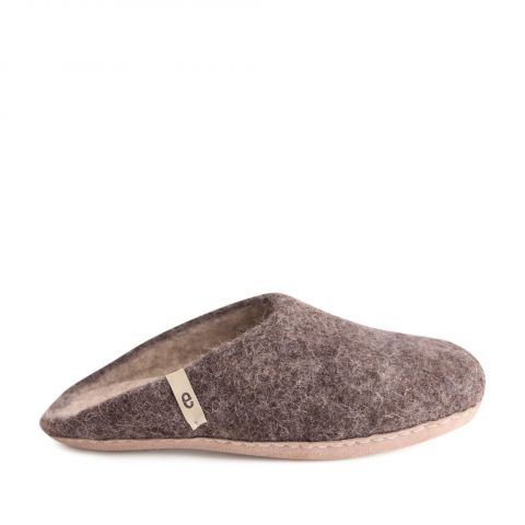Egos Slip-on Indoor Shoe Simple in Natural Brown