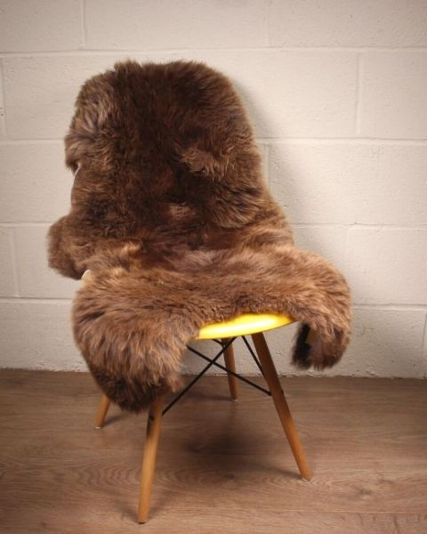 Natural Spotted Shorn English Sheepskin M