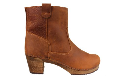 Lotta's Anna Clog Boot in Cognac Soft Oil Leather