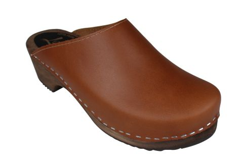 Classic Cinnamon Clogs on Brown Base