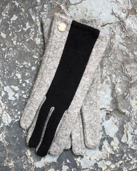 Unmade Copenhagen Myla Glove in Grey