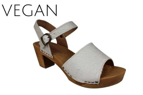 Sanita Vetu Clog Vegan Pinapple Leather in Pearl