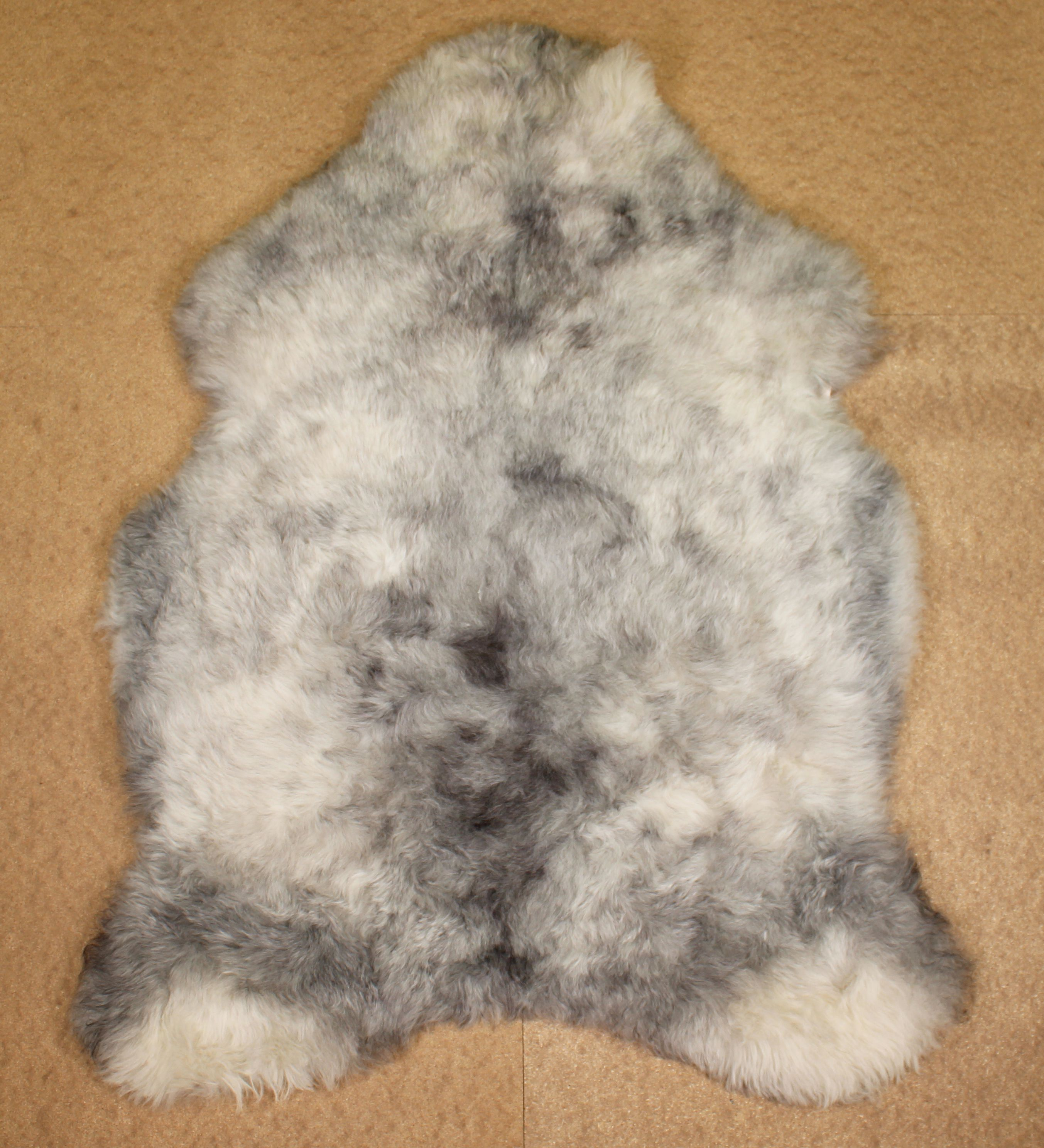 Grey Shorn Icelandic Sheepskin L