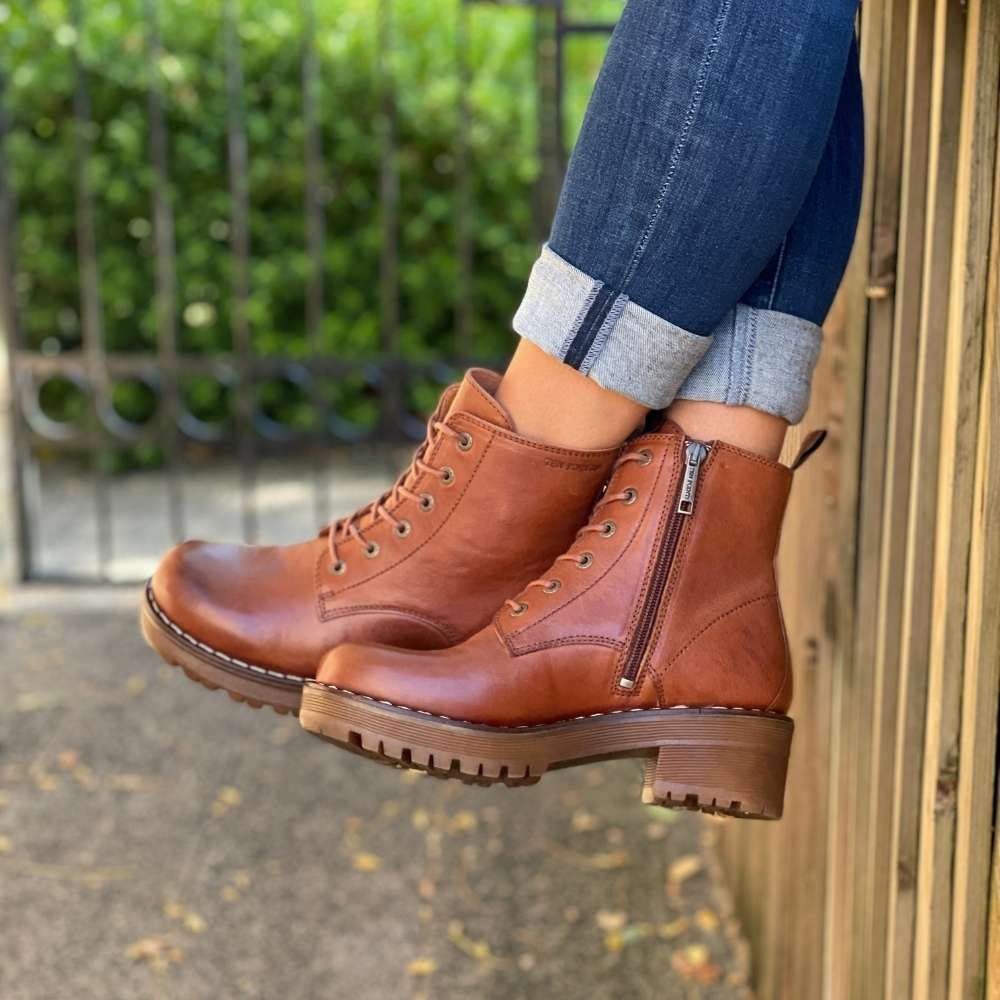 Ten Points Clarisse Lace-up Chelsea Boot in Cognac