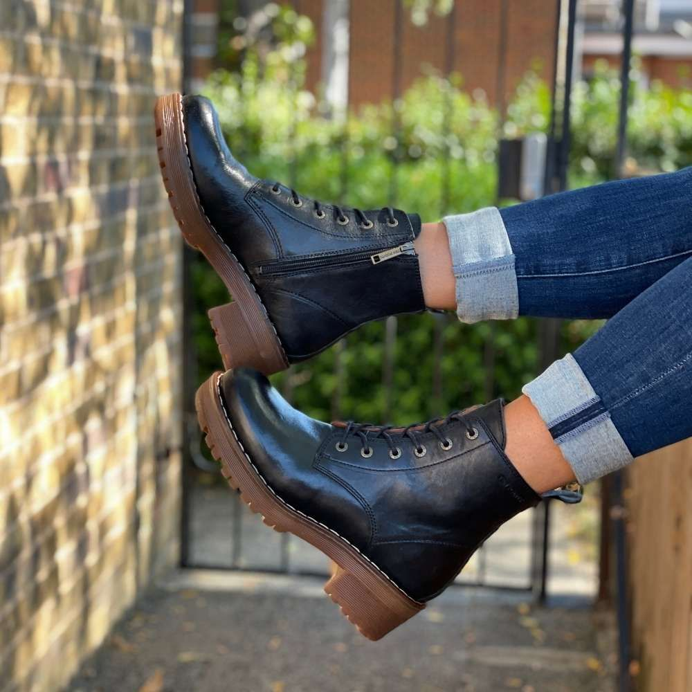 Ten Points Clarisse Lace-up Chelsea Boot in Black