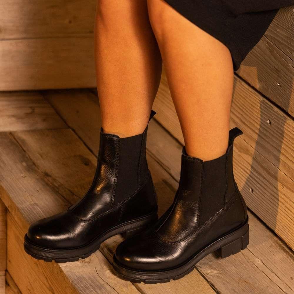 Ten Points Cecilia Chelsea Boot in Black
