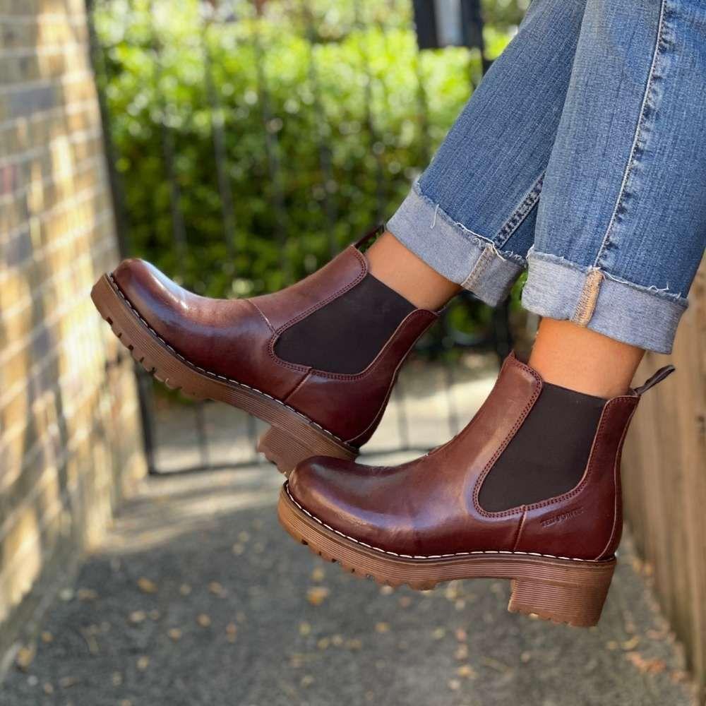 Ten Points Clarisse Chelsea Boot Chocolate