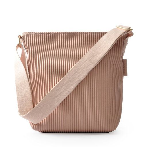 Ceannis Walnut Small Shoulder Bag in Pink