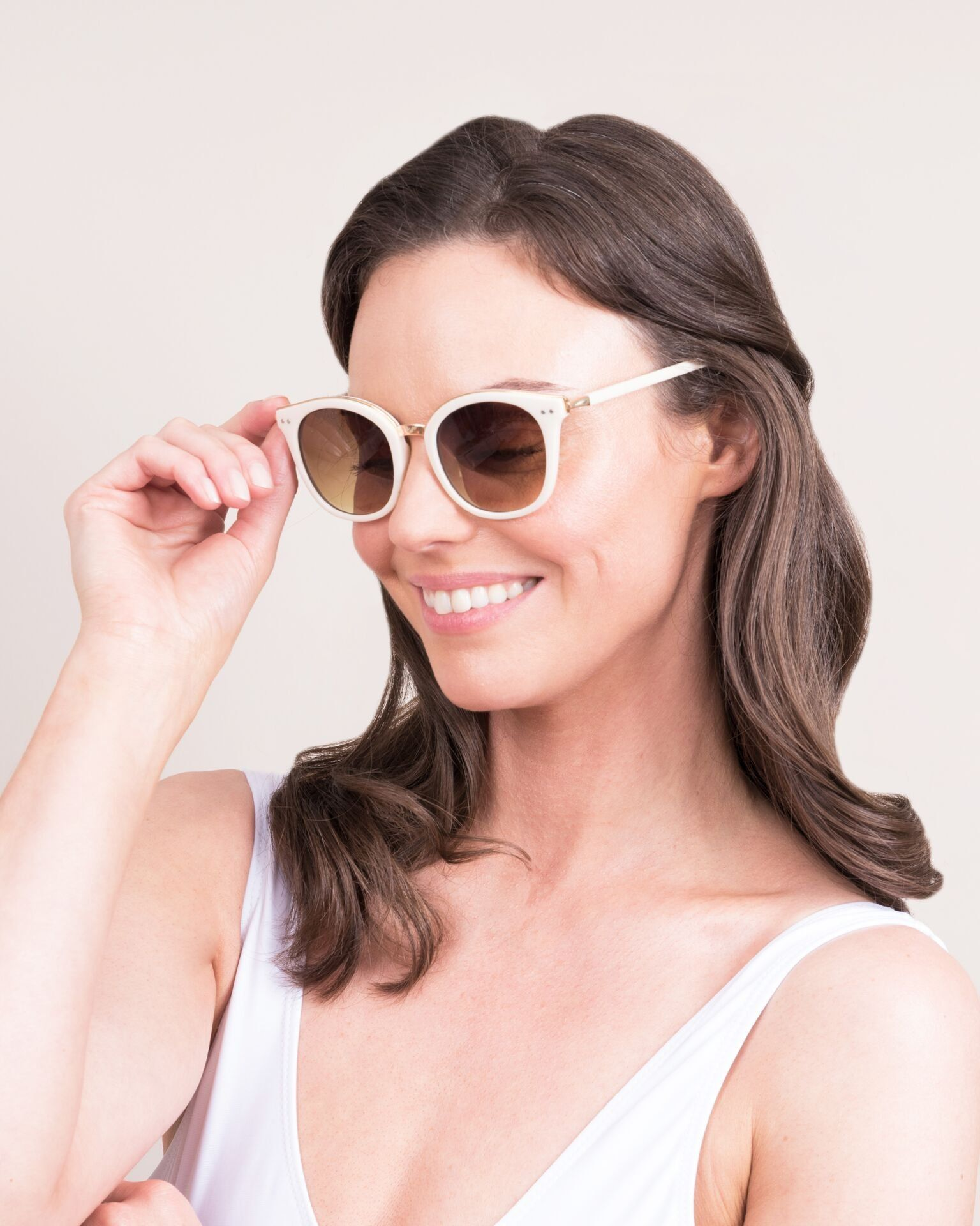 Powder Adele Sunglasses in Cream/Gold
