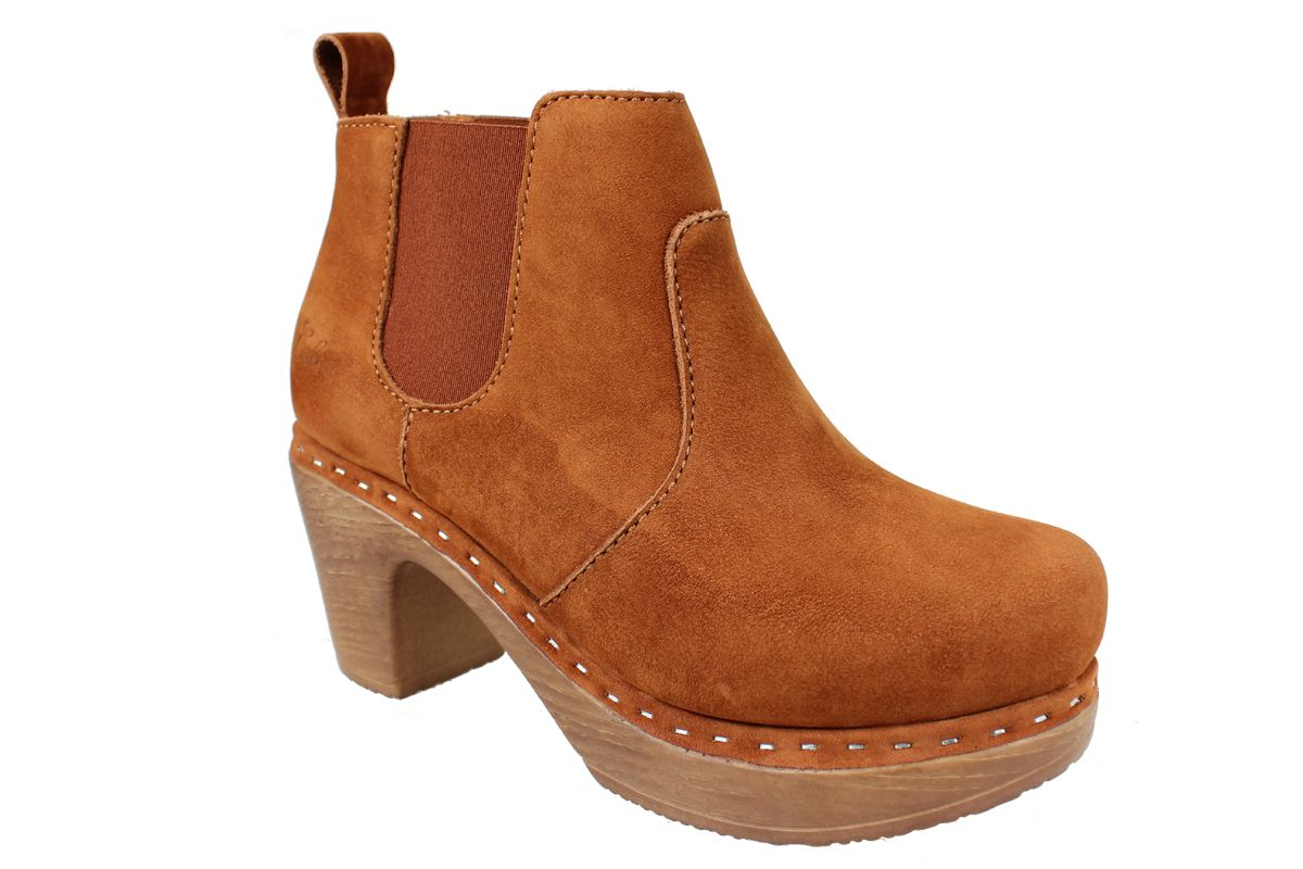 Calou Doris Boot in Brown Nubuck