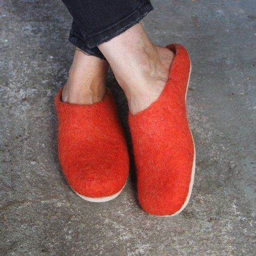 Egos Copenhagen Slip-on Indoor Shoe Simple in Rusty Red