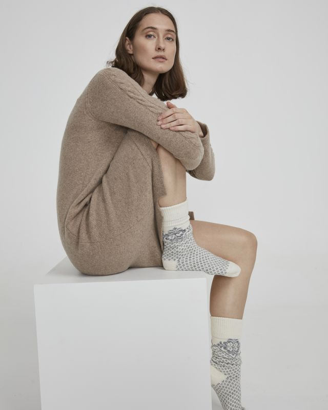 Holebrook Vallero Raggsocka in Off White and Light Grey