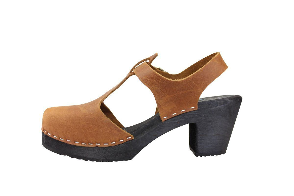 Highwood T-Bar Brown Oiled Nubuck with Black Sole