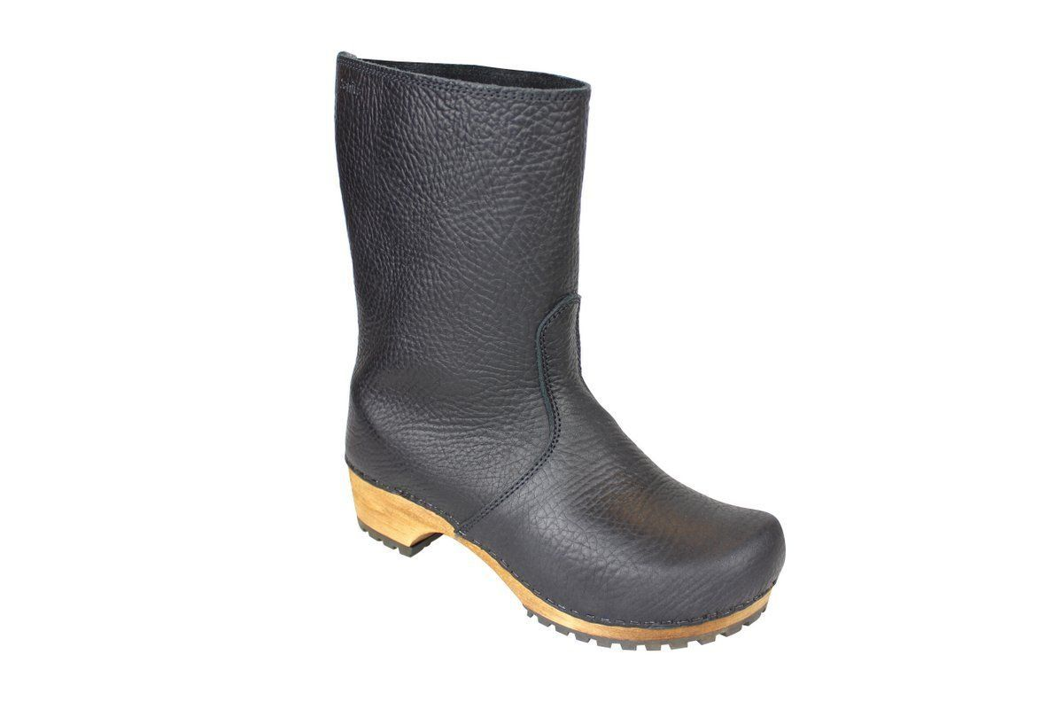 puk black boots