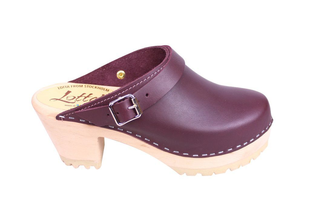Lotta From Stockholm High Clog with Tractor Sole and moveable strap in aubergine leather side 2