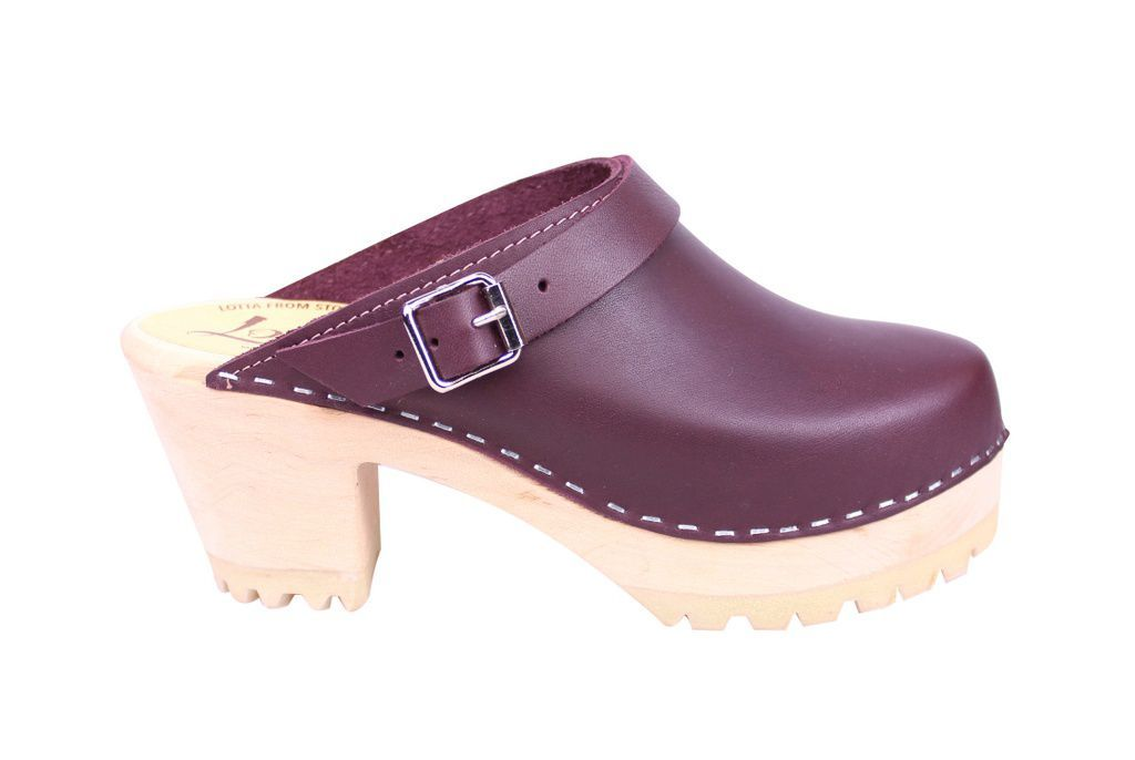 Lotta From Stockholm High Clog with Tractor Sole and moveable strap in aubergine leather side 3