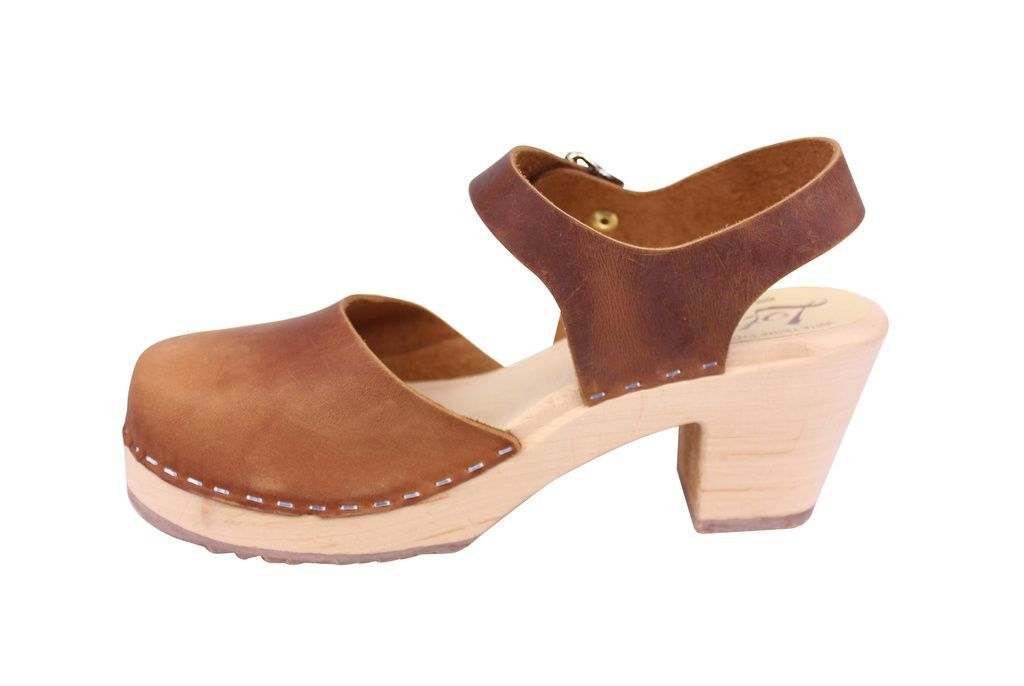 Lotta From Stockholm Highwood Clogs in Brown Oiled Nubuck rev side