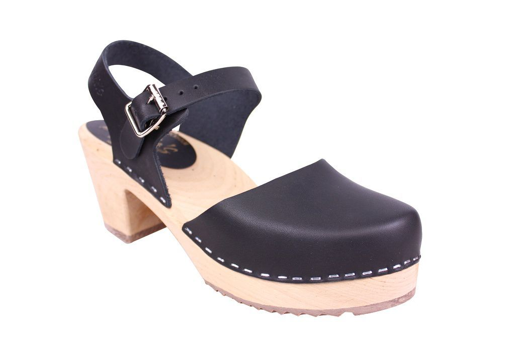 Lotta From Stockholm Highwood clog in Black Leather with a natural sole main