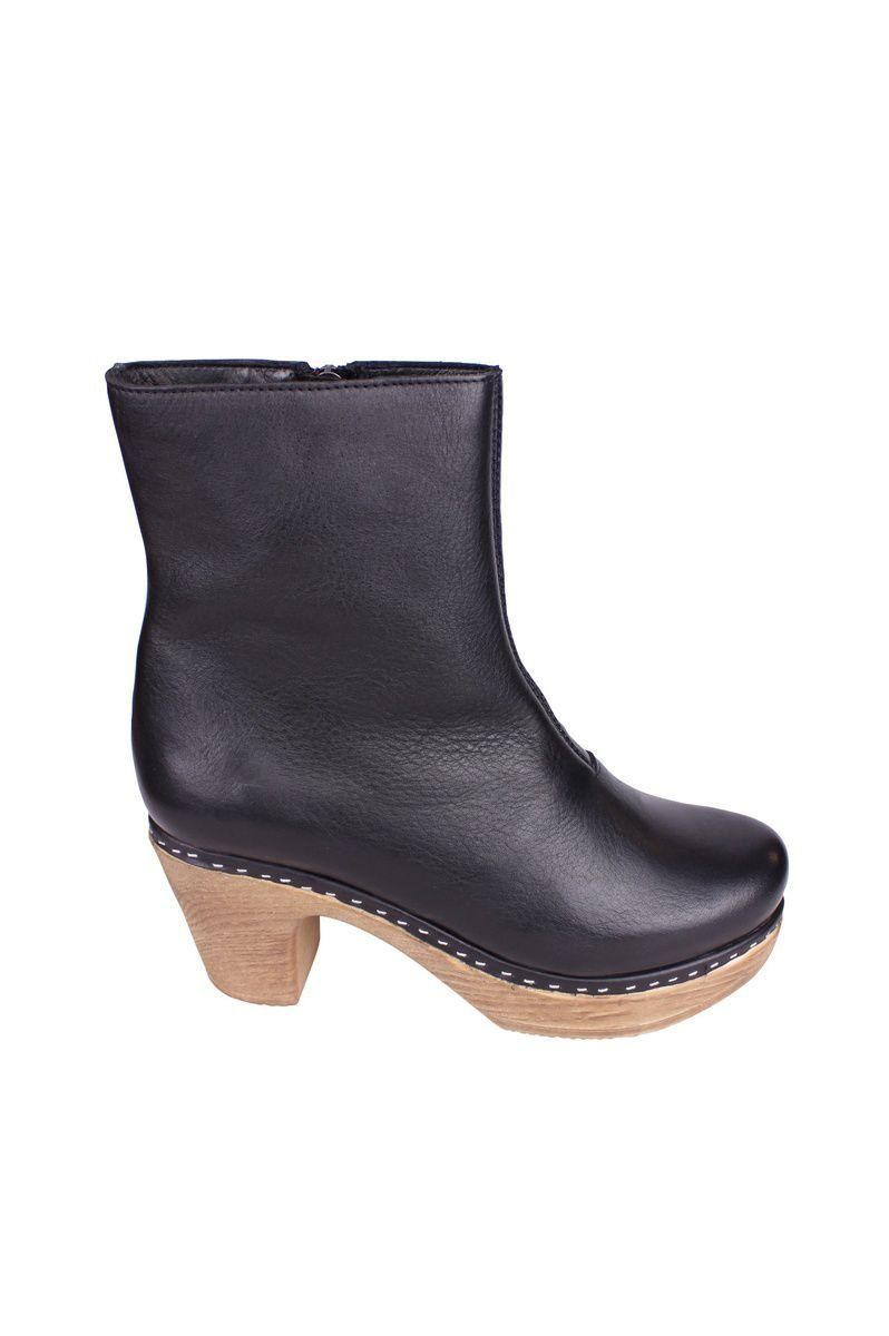 Calou Molly Boot Black side 2