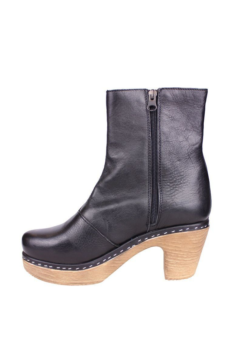 Calou Molly Boot Black rev side