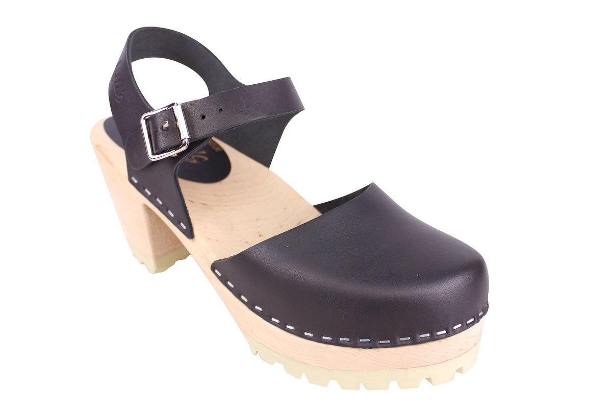 Highwood tractor sole black clogs
