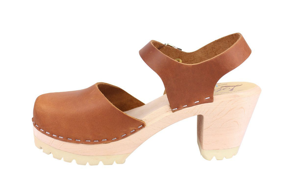 Highwood Tractor sole clogs in brown oiled nubuck rev side