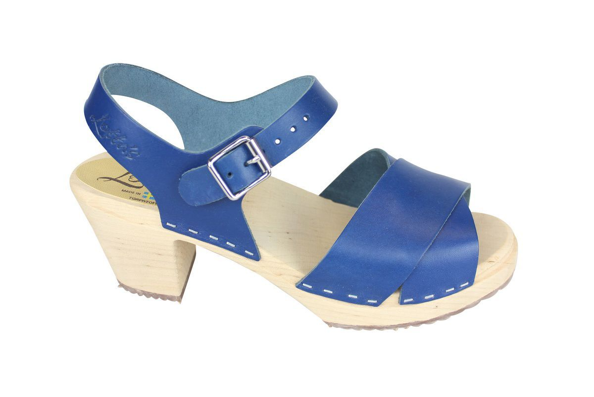 Cross Over Clogs Ocean Blue side