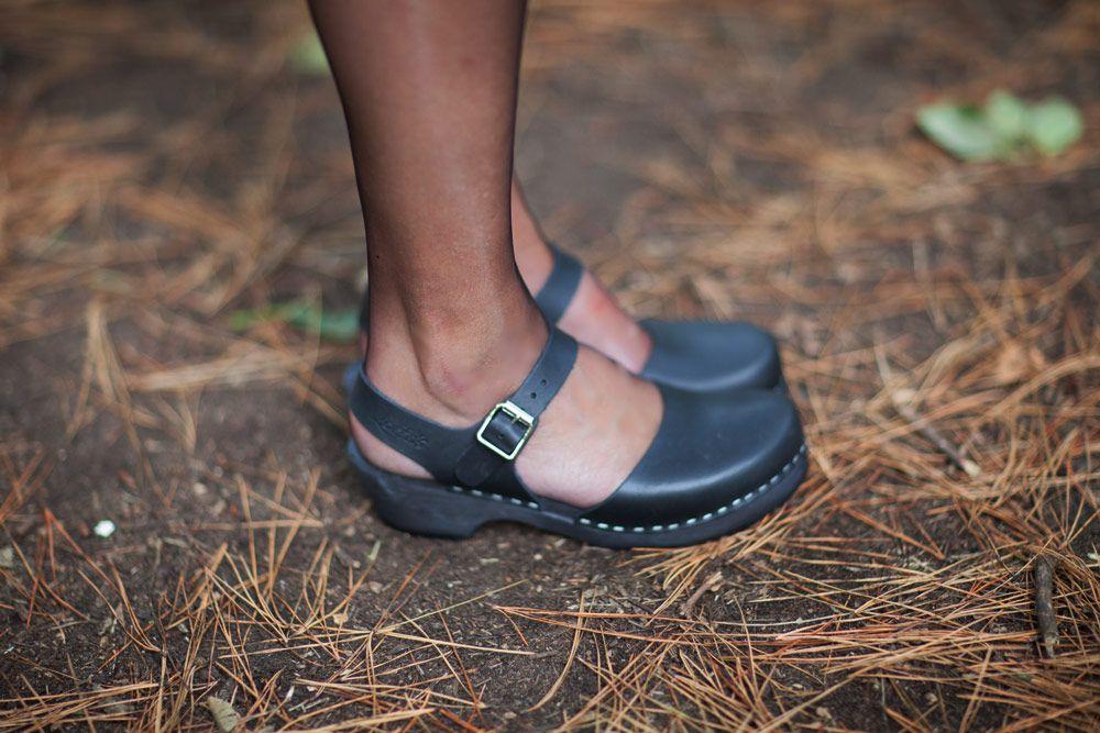 low wood black clogs
