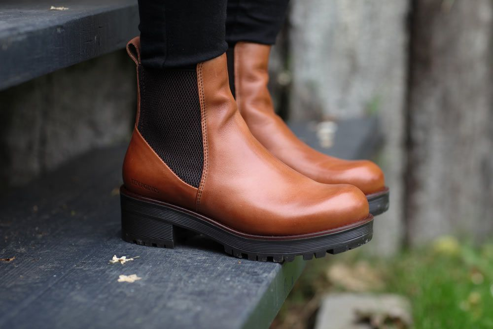 Ten Points Clarisse Cognac Chelsea Boot
