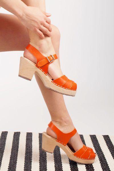 peep orange clogs style