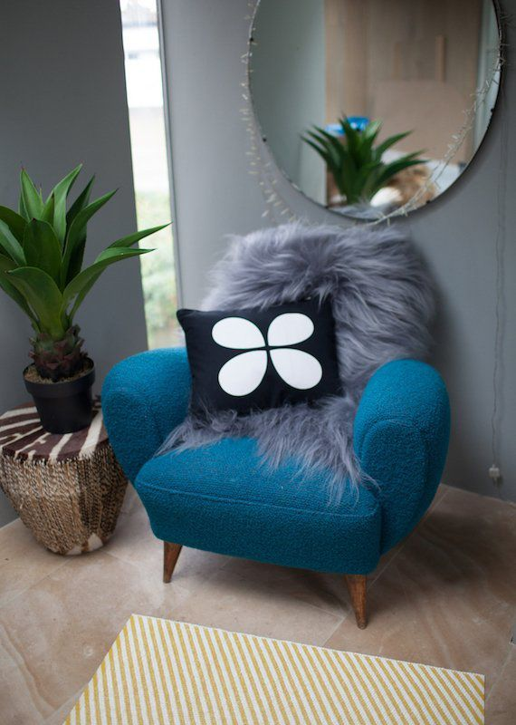 Aki Cushion Black