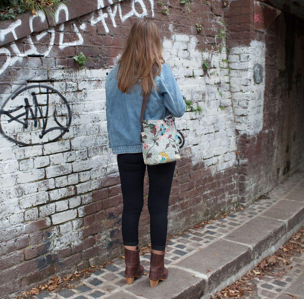Ceannis Small Grey Flower Linen Shoulder Bag
