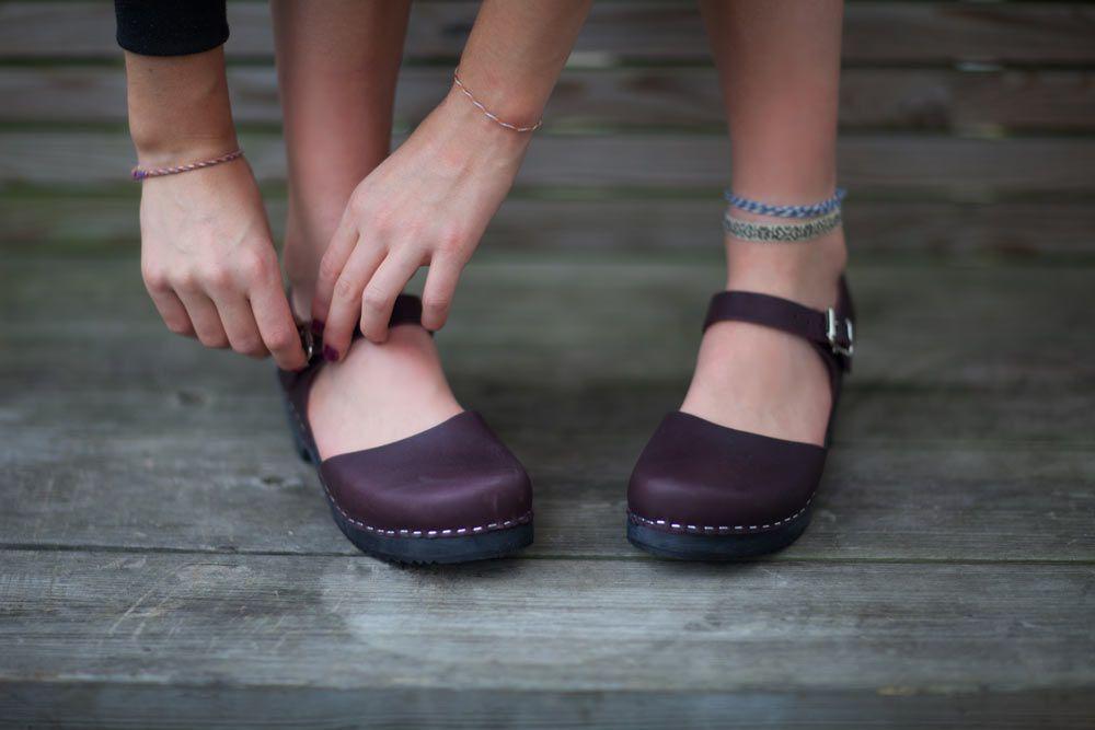 low wood aubergine black sole