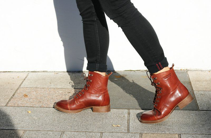 Ten Points Pandora Lace-Up Boot in Rust Seconds