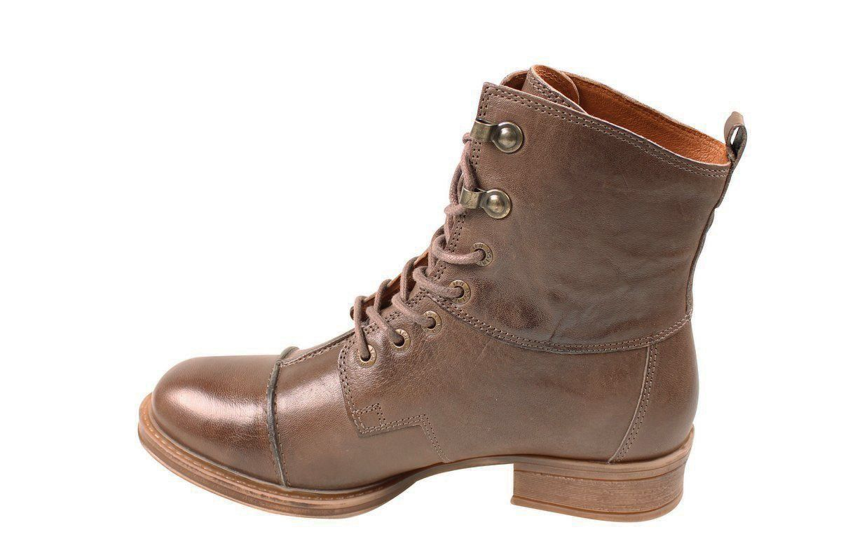 Ten Points Pandora Lace-Up Boot in Taupe