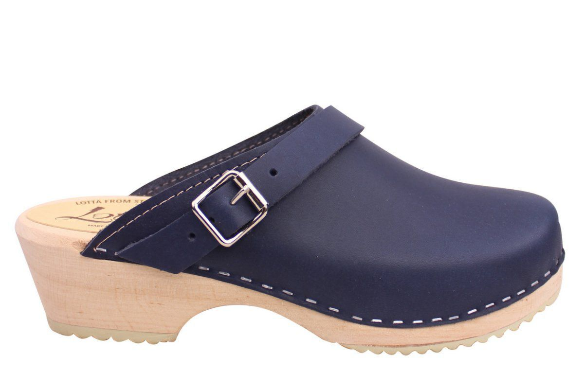 Classic navy clogs with strap