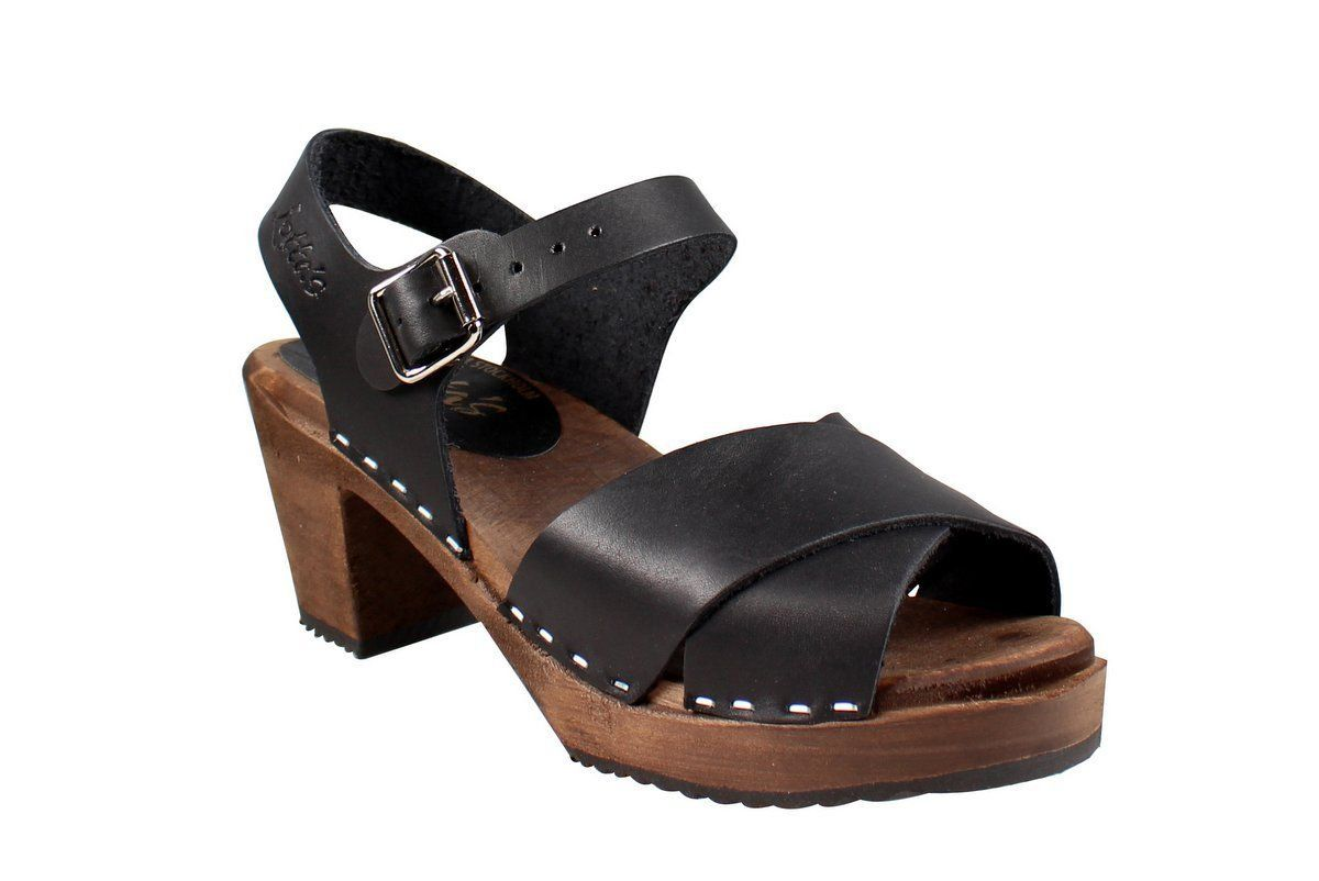 Cross Over Clogs Black on Brown Base