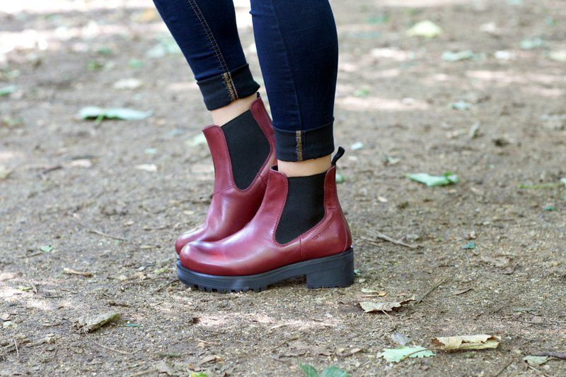 Ten Points Clarisse Bordeaux Chelsea Boot