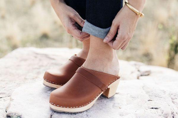 High clog tan style
