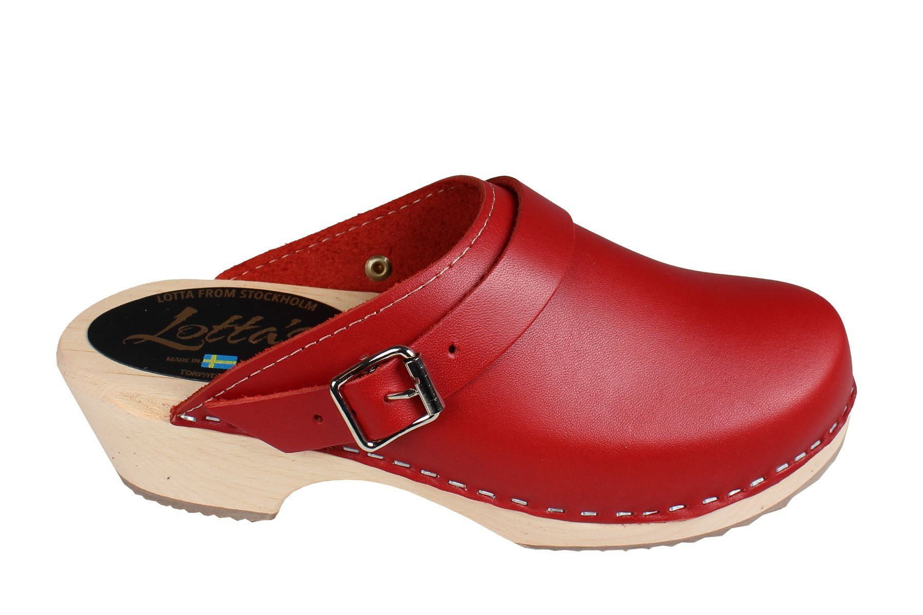 Classic red clogs with strap