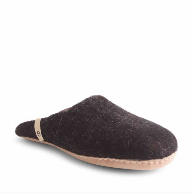 Egos Copenhagen Slip-on Indoor Shoe Simple in Black