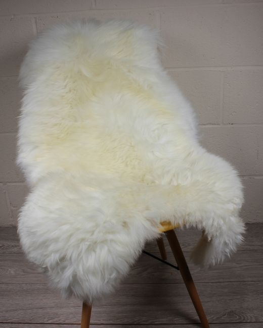 Natural White Shorn English Sheepskin M