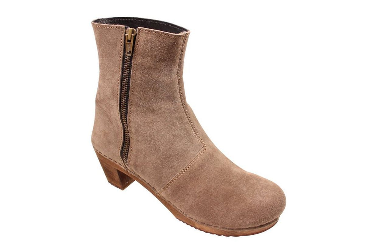 Lotta's Emma Clog Boots in Taupe