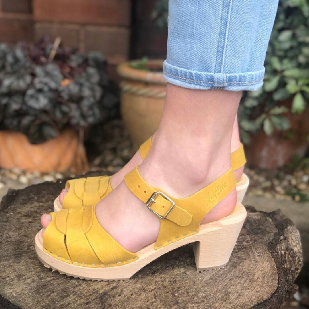 Peep Toe Clogs Yellow Oiled Nubuck