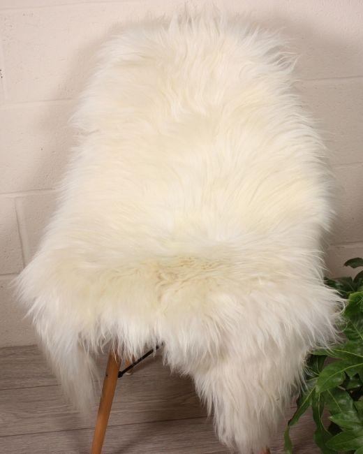 White Icelandic Sheepskin M