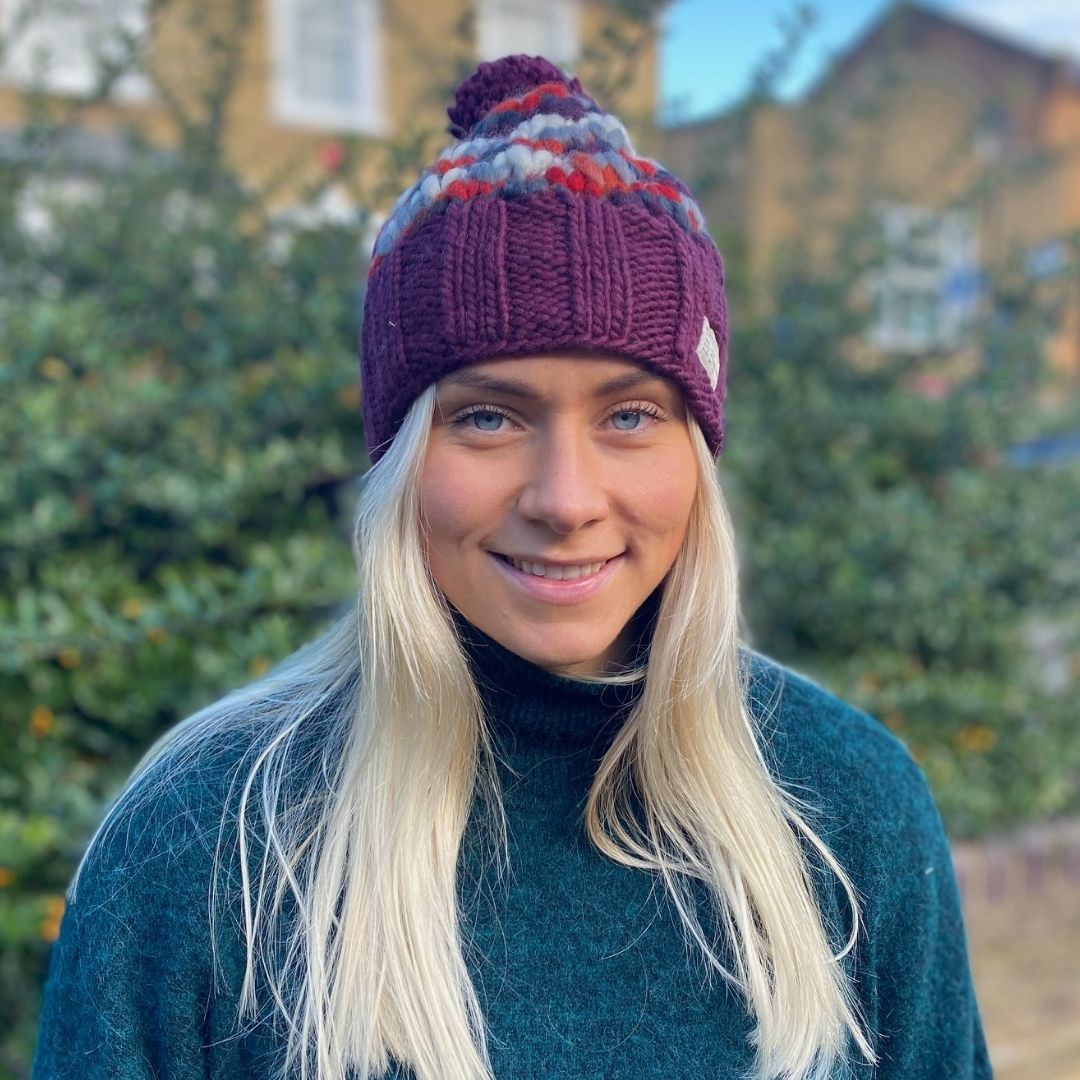 Kusan Thick Knit Bobble Hat in Plum
