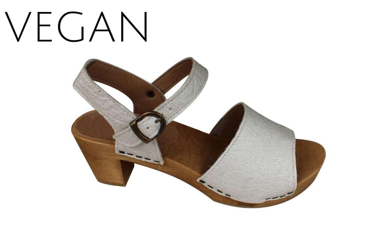 Sanita Vetu Clog Vegan Pinapple Leather in Pearl